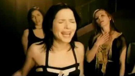 Summer Sunshine - The Corrs. Videoclip del grupo irlandés