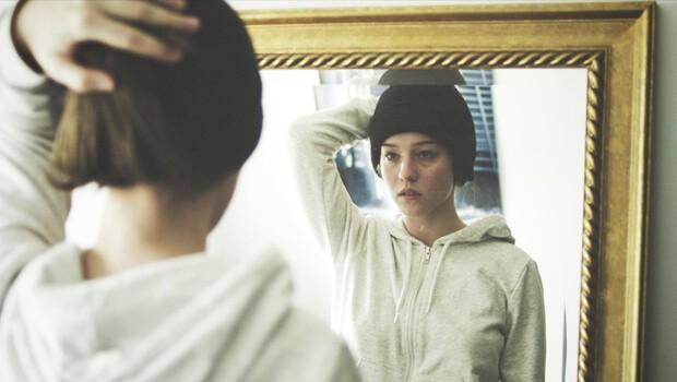 Boy. Cortometraje danés online Lucas Helth Postma con Laura Emilie Hancock
