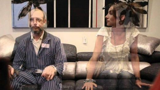 Por fin en casa. Cortometraje español de Julio Mazarico con Irene Anula