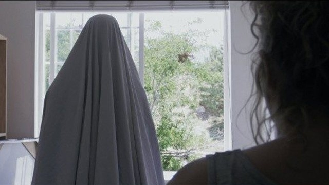 Pictures. Cortometraje y thriller de terror de Spencer Allred con Missy Hill