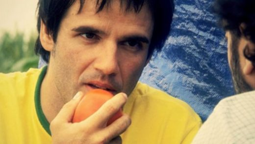 Tomates. Cortometraje español de Macarena Arjona con Raúl Peña