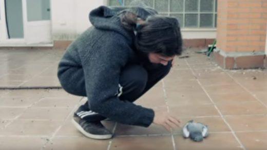 Alone. Cortometraje español dirigido por Iván Sainz-Pardo