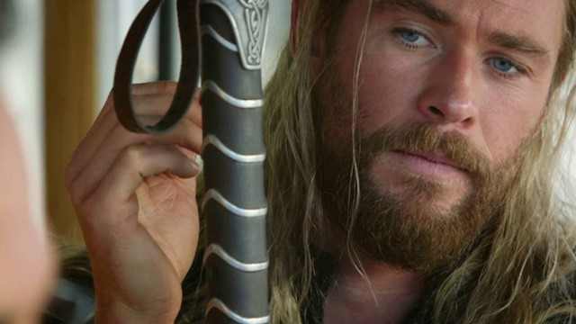 Capitán América: Civil War - Bando Thor (While You Were Fighting: A Thor Mockumentary)