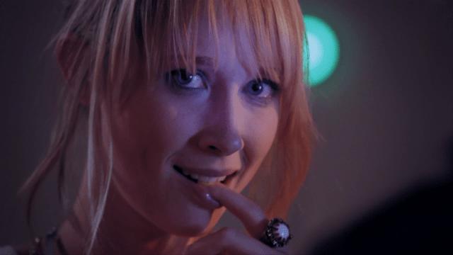 Frikis – Nerds. Cortometraje español online con Ingrid García Jonsson