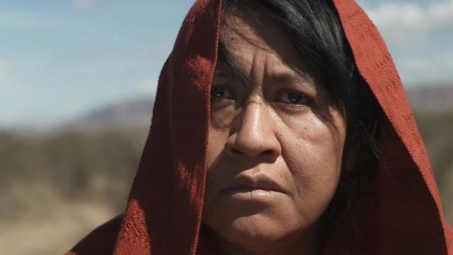 400 maletas. Cortometraje mexicano dirigido por Fernanda Valadez
