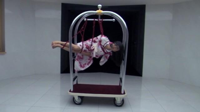 Bondage. Cortometraje erótico de Javier Guerrero para la marca Stua