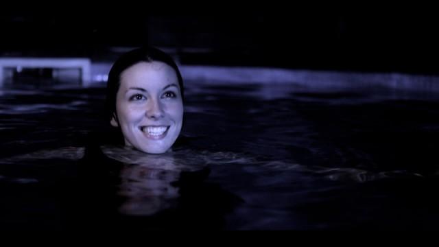 Splash. Cortometraje español de Herminio Cardiel con Sheyla Niño