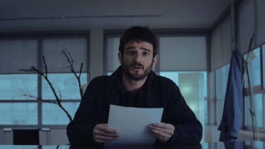 Artificial. Cortometraje español de David Pérez Sañudo con Aitor Mazo