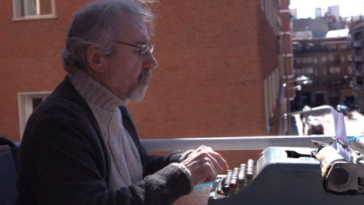 El ascensor de Romeo. Cortometraje de César Ríos con José Sacristán