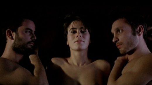 Dos de dos. Cortometraje dirigido por Denise Castro