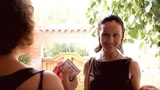 Una buena vecina. Cortometraje y comedia española de Santos Ávila
