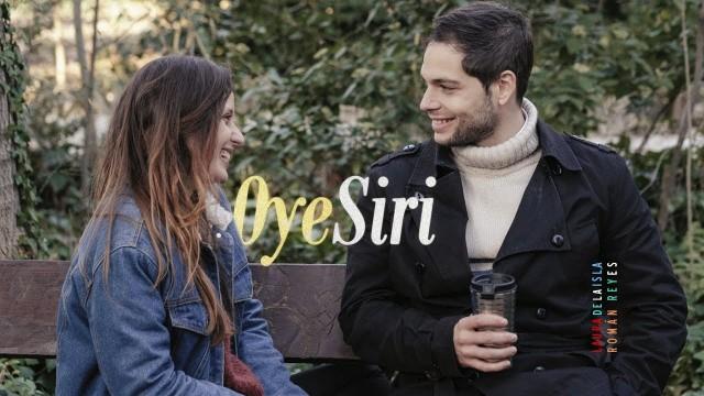 Oye, Siri. Cortometraje español de Román Reyes con Laura de la Isla