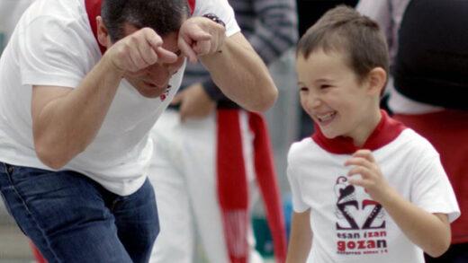 El baile de los infantes. Cortometraje de Jokin Pascual y Javier Dampierre