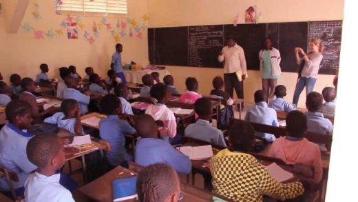 Viaje al Senegal. Cortometraje documental de Oriol Corbella, Imanol Uribe