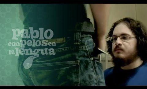 Con pelos en la lengua. Pablo 1x06: Medirse la polla. Webserie española