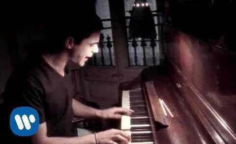 La fuerza del corazón - Alejandro Sanz. Vídeoclip del artista español