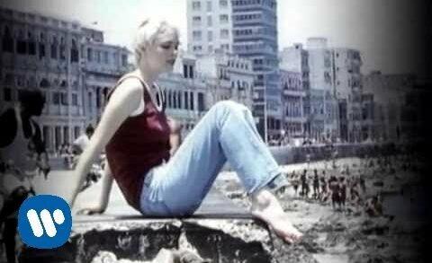 Mi soledad y yo - Alejandro Sanz. Vídeoclip del artista español