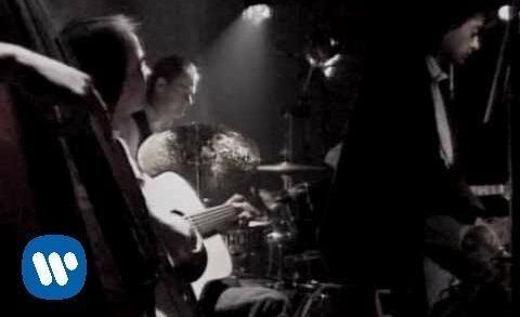 Ojos De Gata - Los Secretos. Videclip de la banda musical española