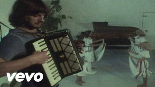 Portsmouth - Mike Oldfield. Videoclip oficial del artista británico