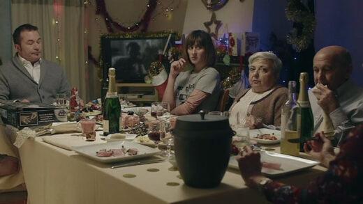 Glitch. Cortometraje y comedia navideña española de Marcos Cabotá