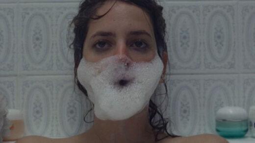 Gasto. Cortometraje español y comedia juvenil de Elena Tara