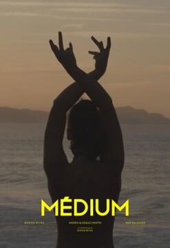 Medium corto cartel poster
