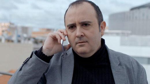 The app. Cortometraje y drama español de Julián Merino