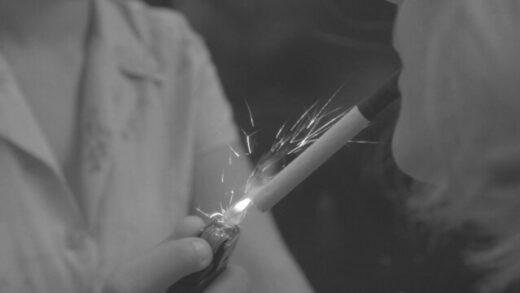 Con un cigarro. Cortometraje argentino experimental Monzón Maximiliano